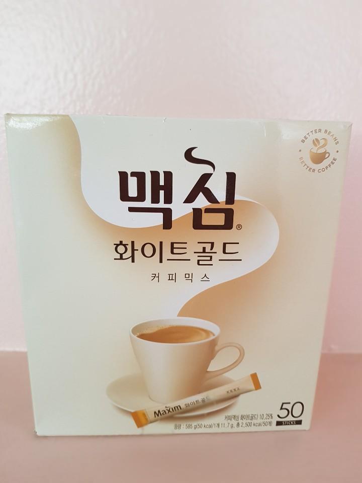 maxim white gold korean instant coffee mix box.