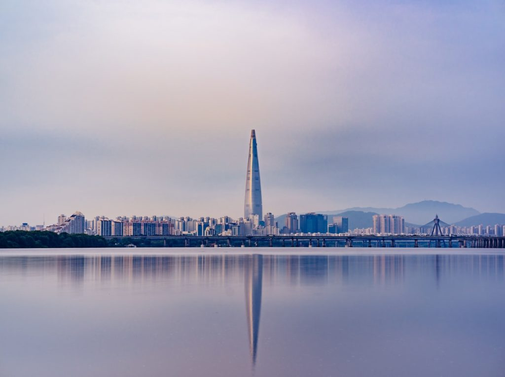 A photo of lotte tower in Jamsil.
