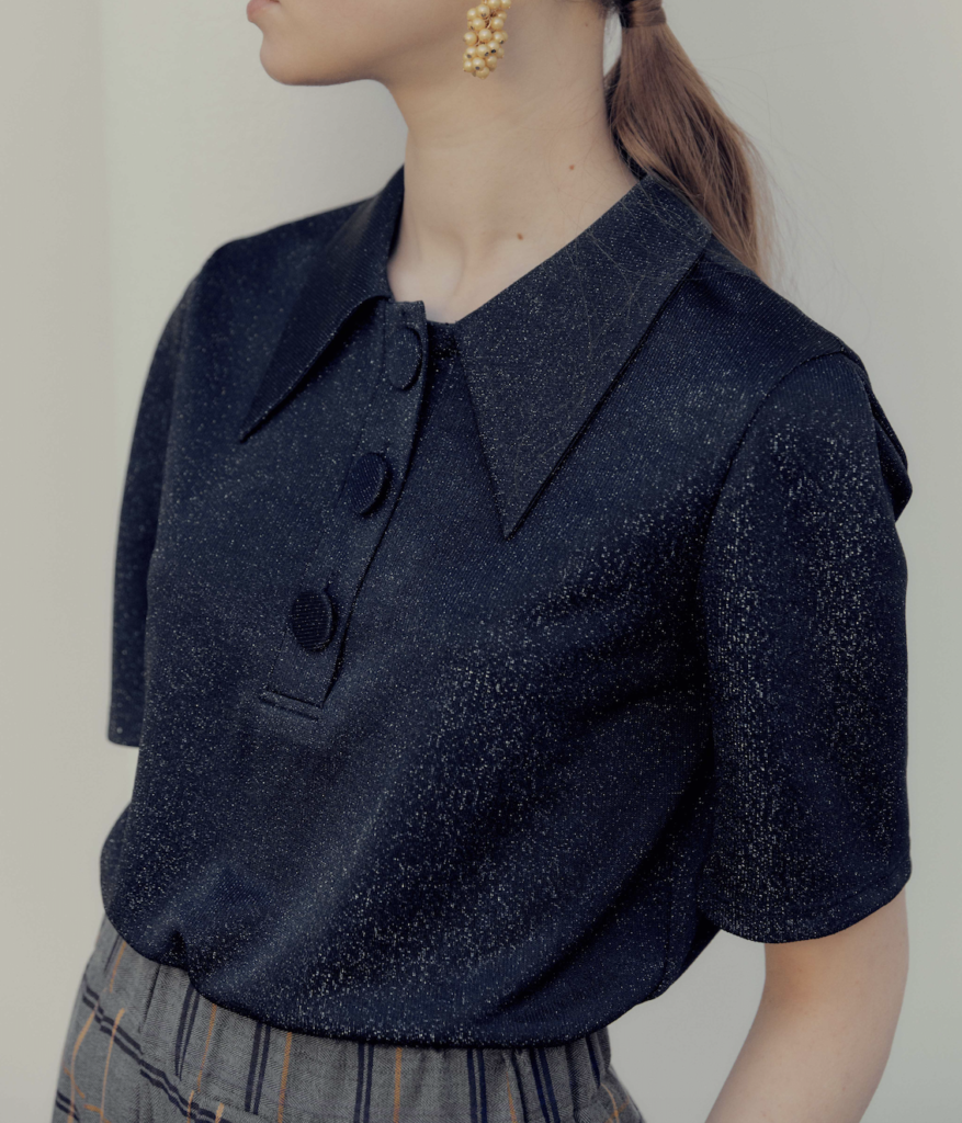 Pointed collar metallic short sleeve top from The Dallant, Korean fashion online shopping site, fashion item for transitional weather in korea